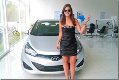 Polícia: Jovem procurada após roubar carro em test-drive é presa no interior do Paraná