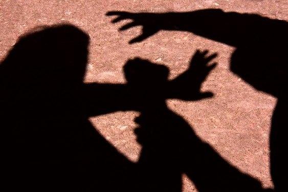 Violência: jovem é estuprada e obrigada a dizer em vídeo que consentiu sexo