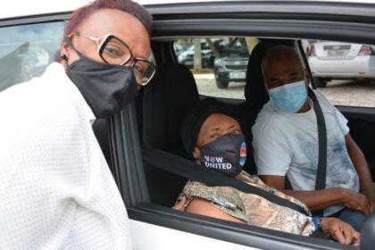 Coronavírus: idosos a partir de 90 anos são vacinados em Vitória da Conquista
